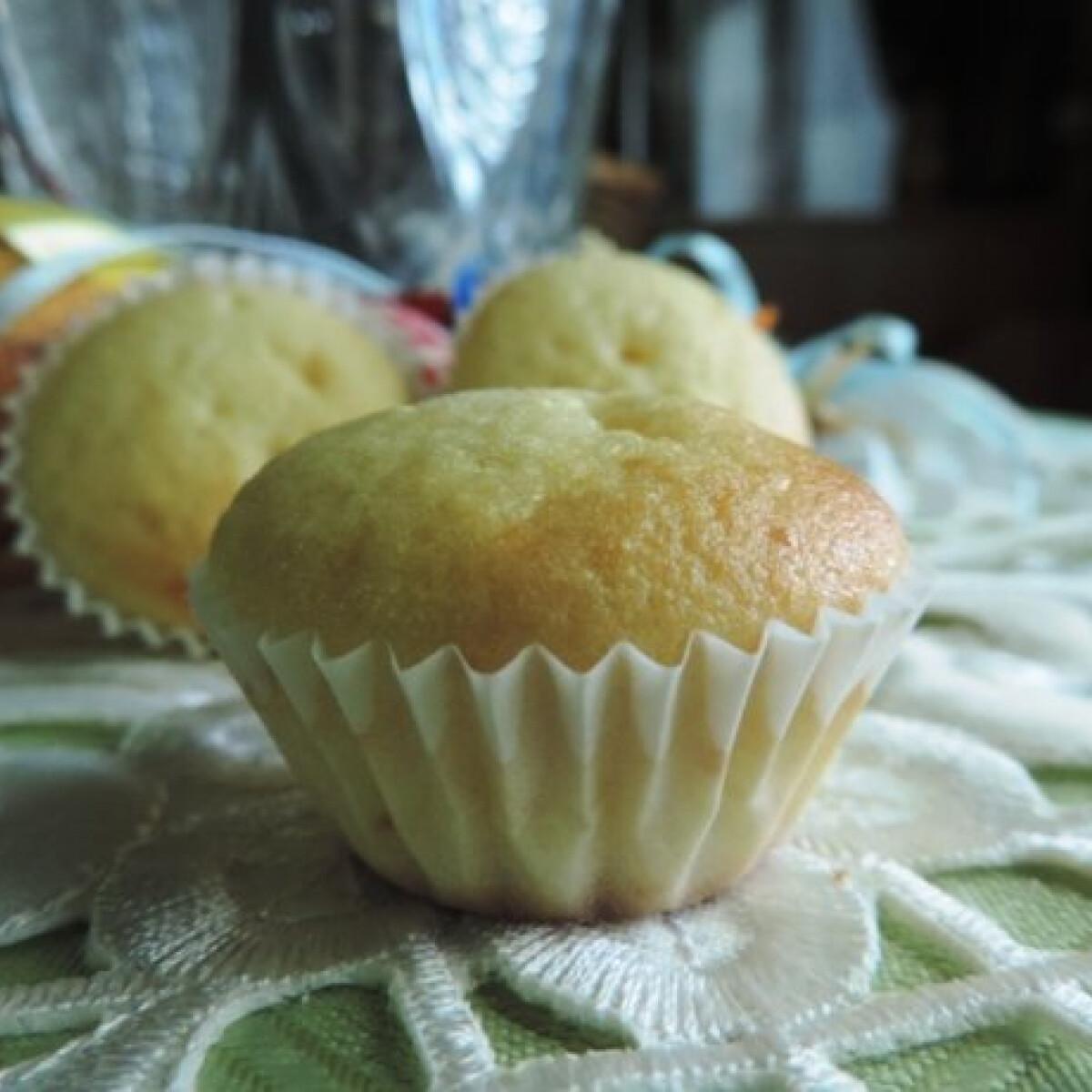 Ezen a képen: Muffin ricottával és citrommal
