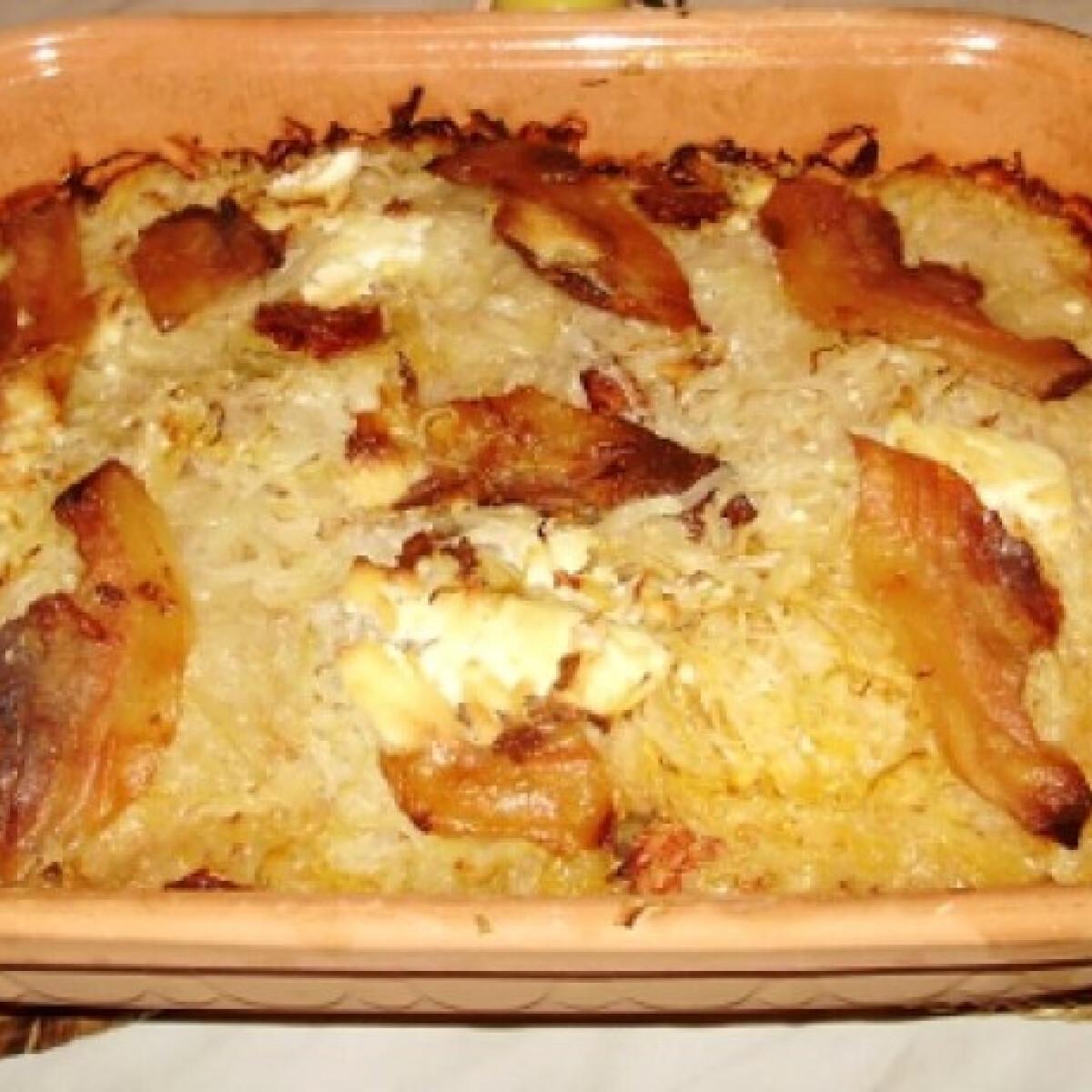 Ezen a képen: Krumplis-káposztás egytál pataki tálban
