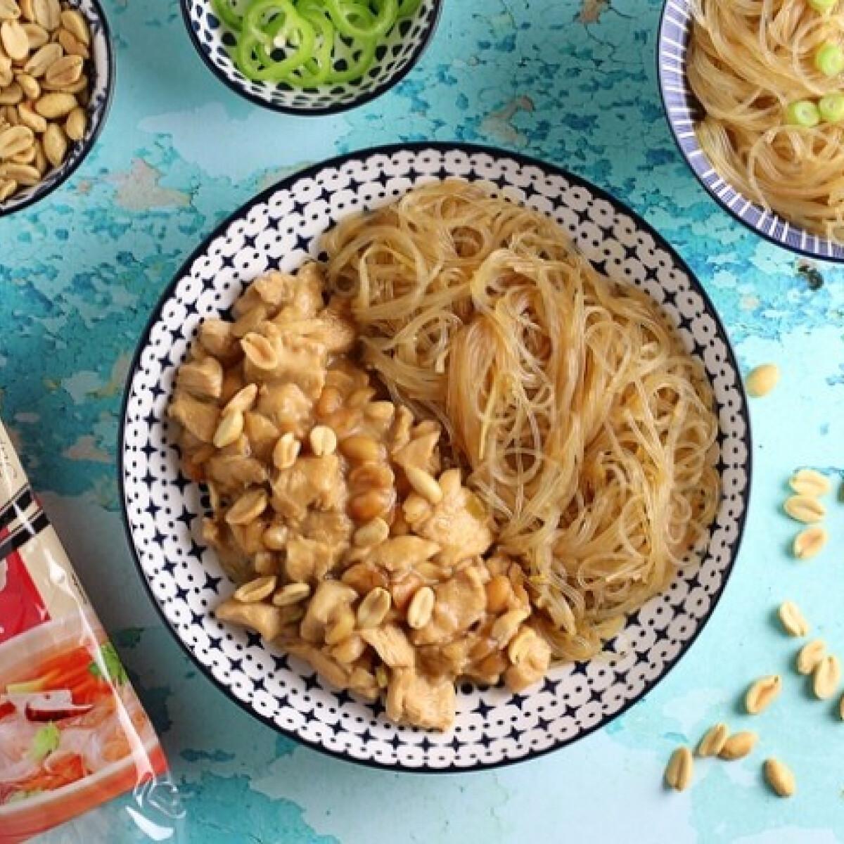 Ezen a képen: Gung Bao csirke