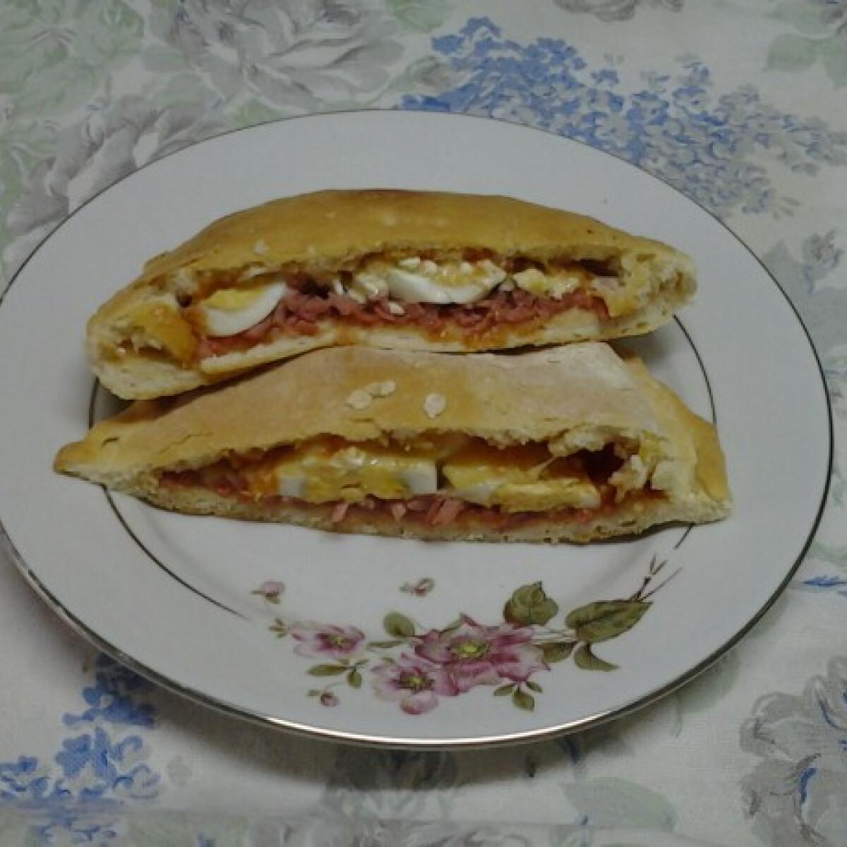 Ezen a képen: Töltött pizza Angie konyhájából