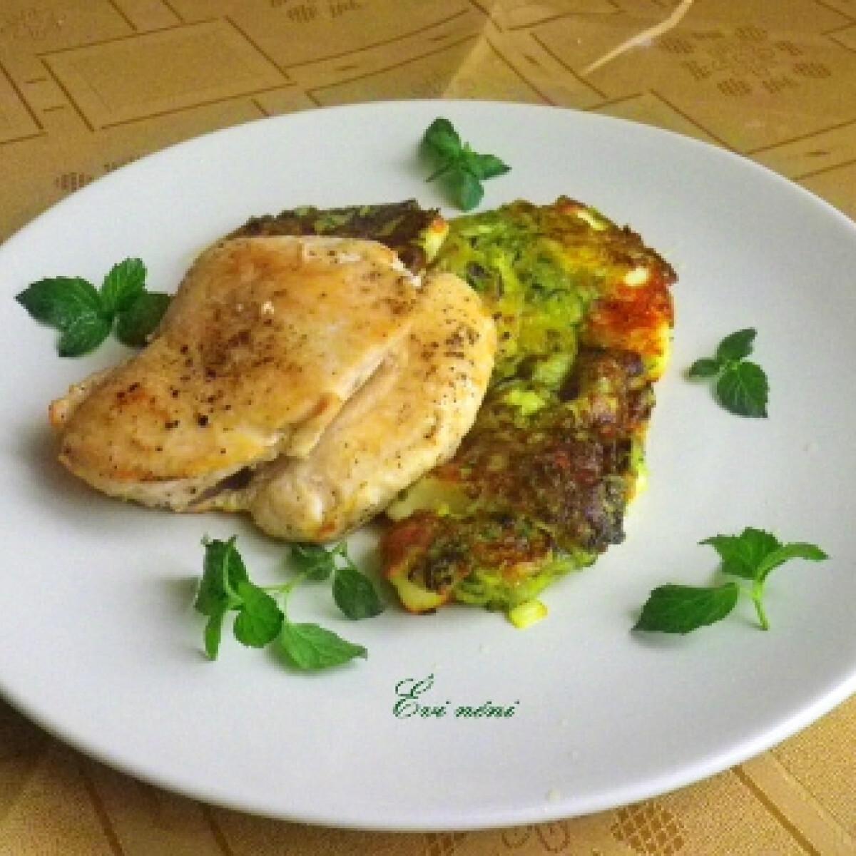 Ezen a képen: Cukkini ropogós csirkesülttel