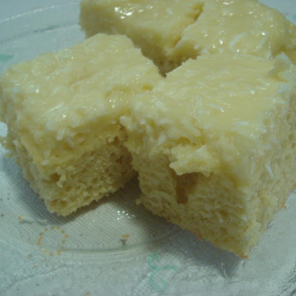 Ezen a képen: Kókuszkrémes piskóta Kynga konyhájából
