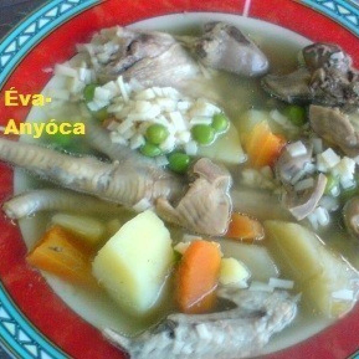Ezen a képen: Csirkeaprólék-leves