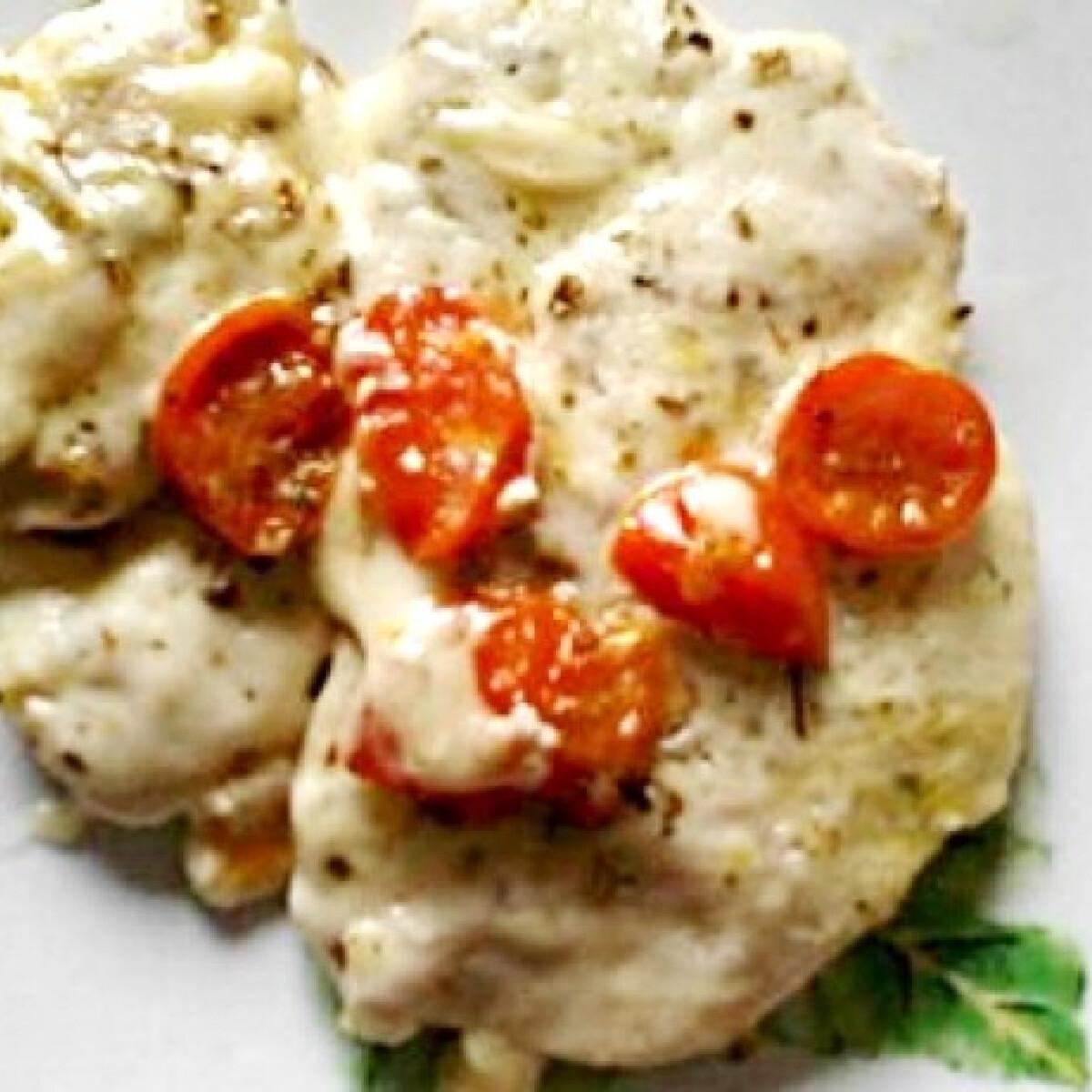 Ezen a képen: Paradicsomos-mozzarellás csirkemell