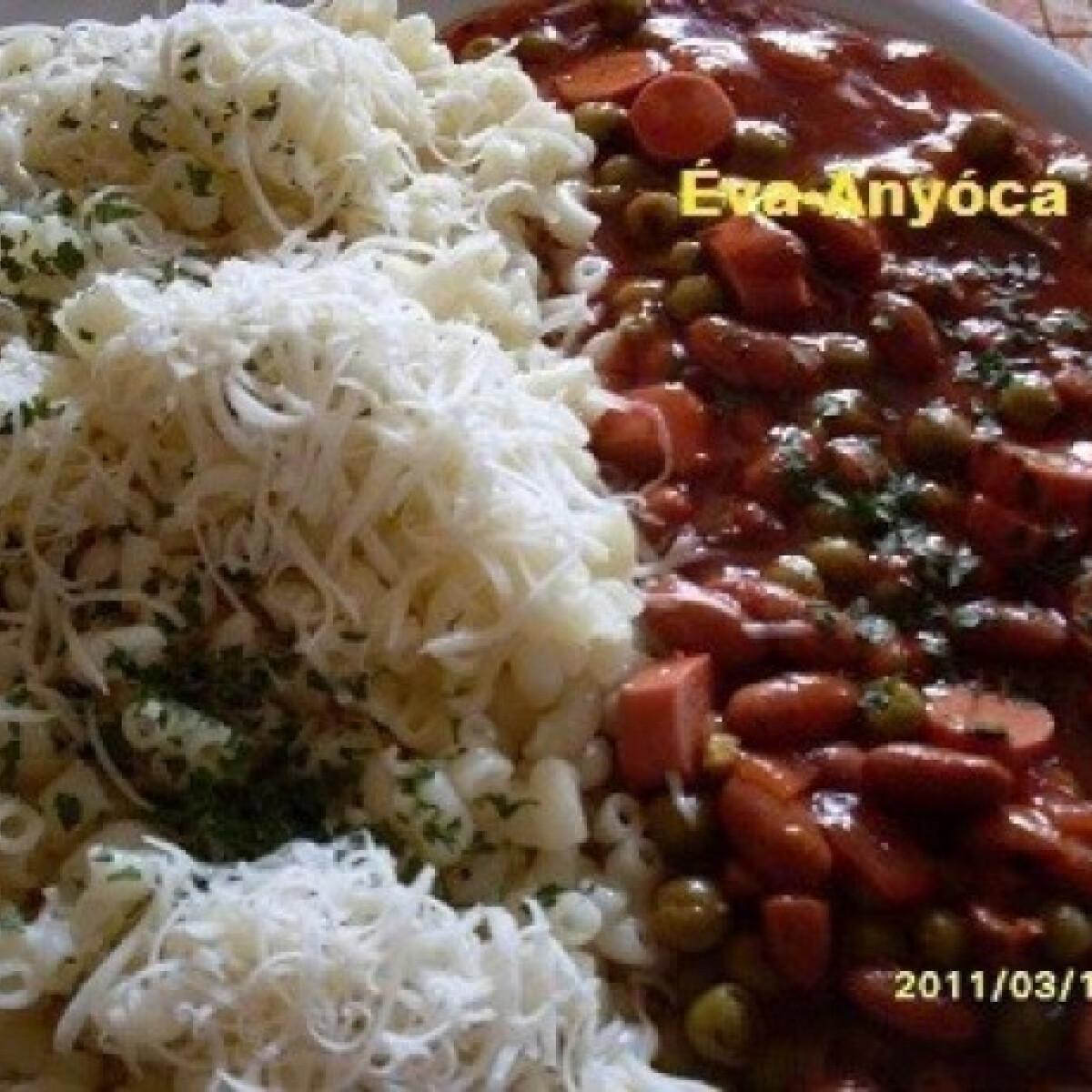 Ezen a képen: Chilis babos-gombás milánói szósz virslivel