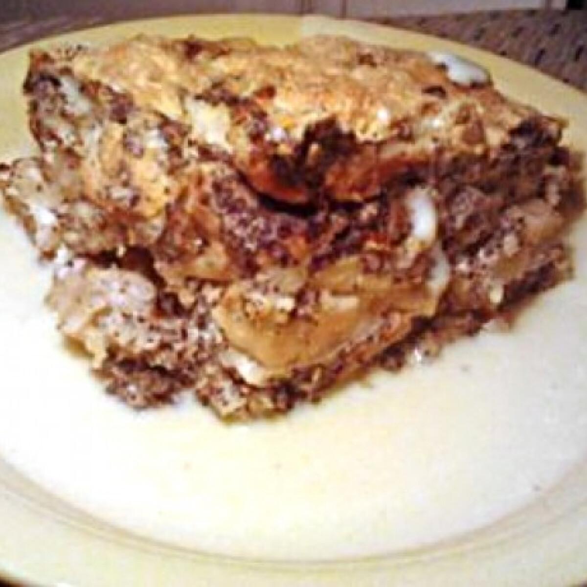 Ezen a képen: Almás mákos guba vaníliapudinggal