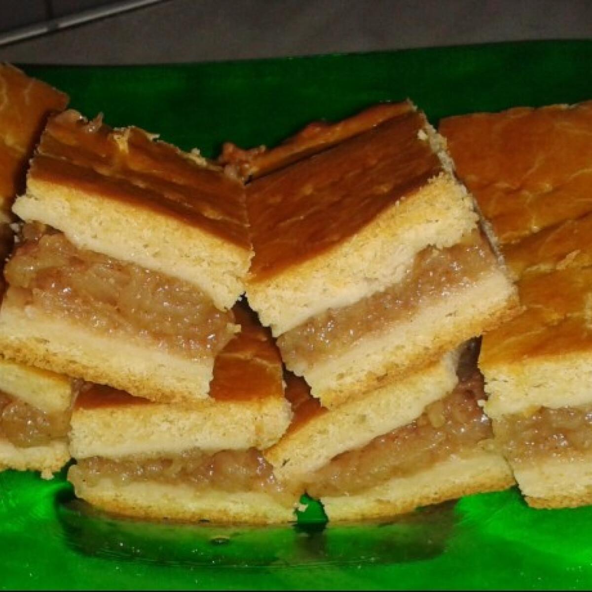 Ezen a képen: Diétás almás pite MankaBeauty konyhájából