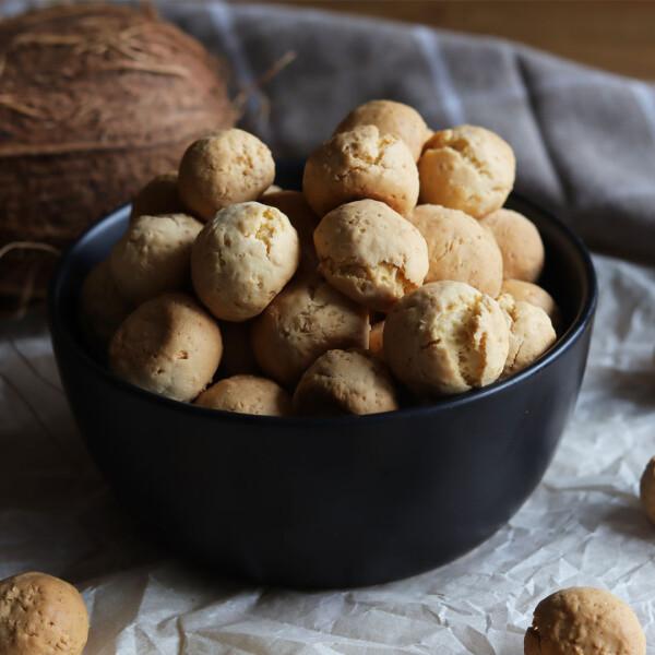 Kókuszos kekszgolyó