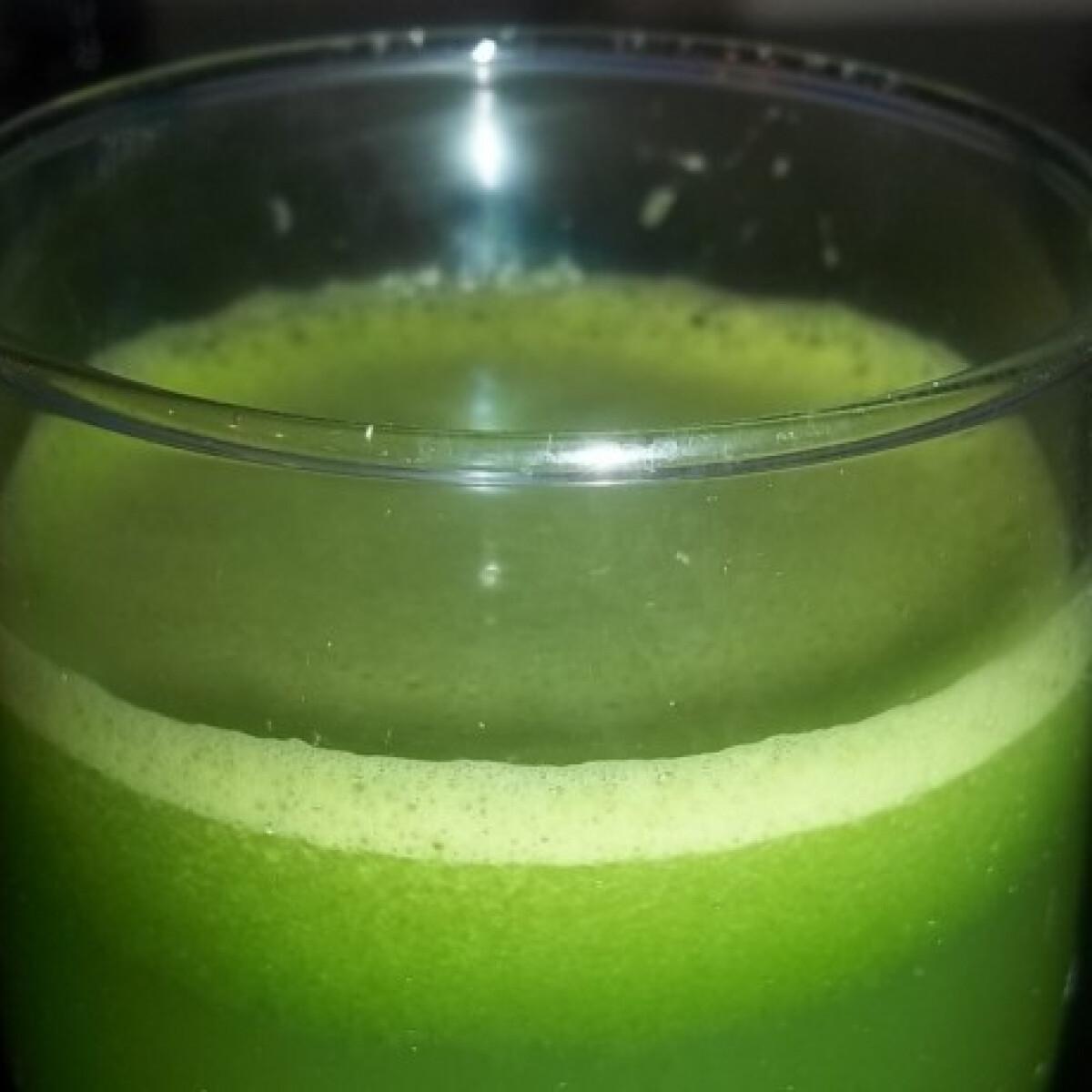 Ezen a képen: Zöld bomba koktél