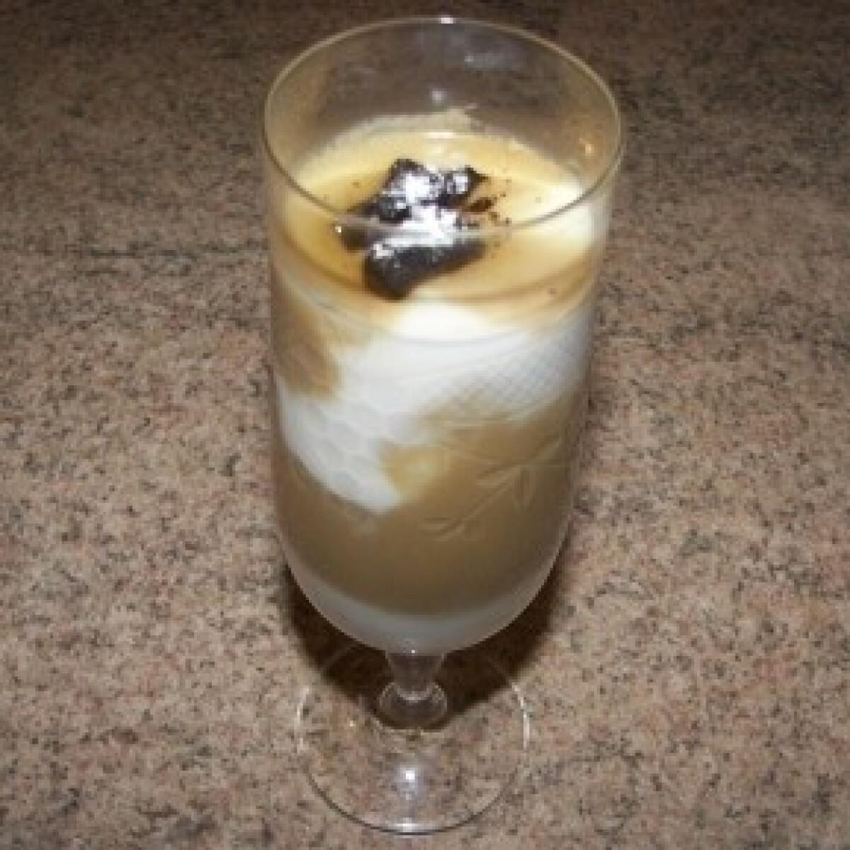 Ezen a képen: Rétegzett cappuccinos krém
