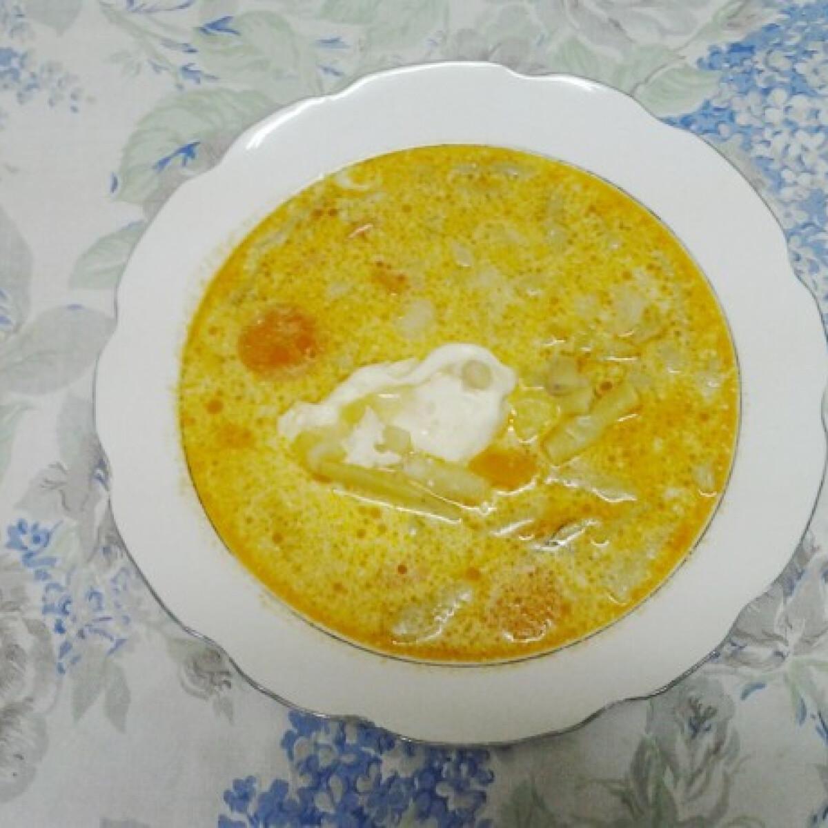 Kapros-tejfölös zöldbableves Angie konyhájából