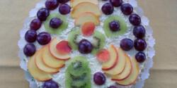 Túrós-gyümölcsös rakott piskóta