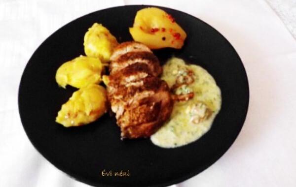 Konfitált kacsamell gorgonzola mártással