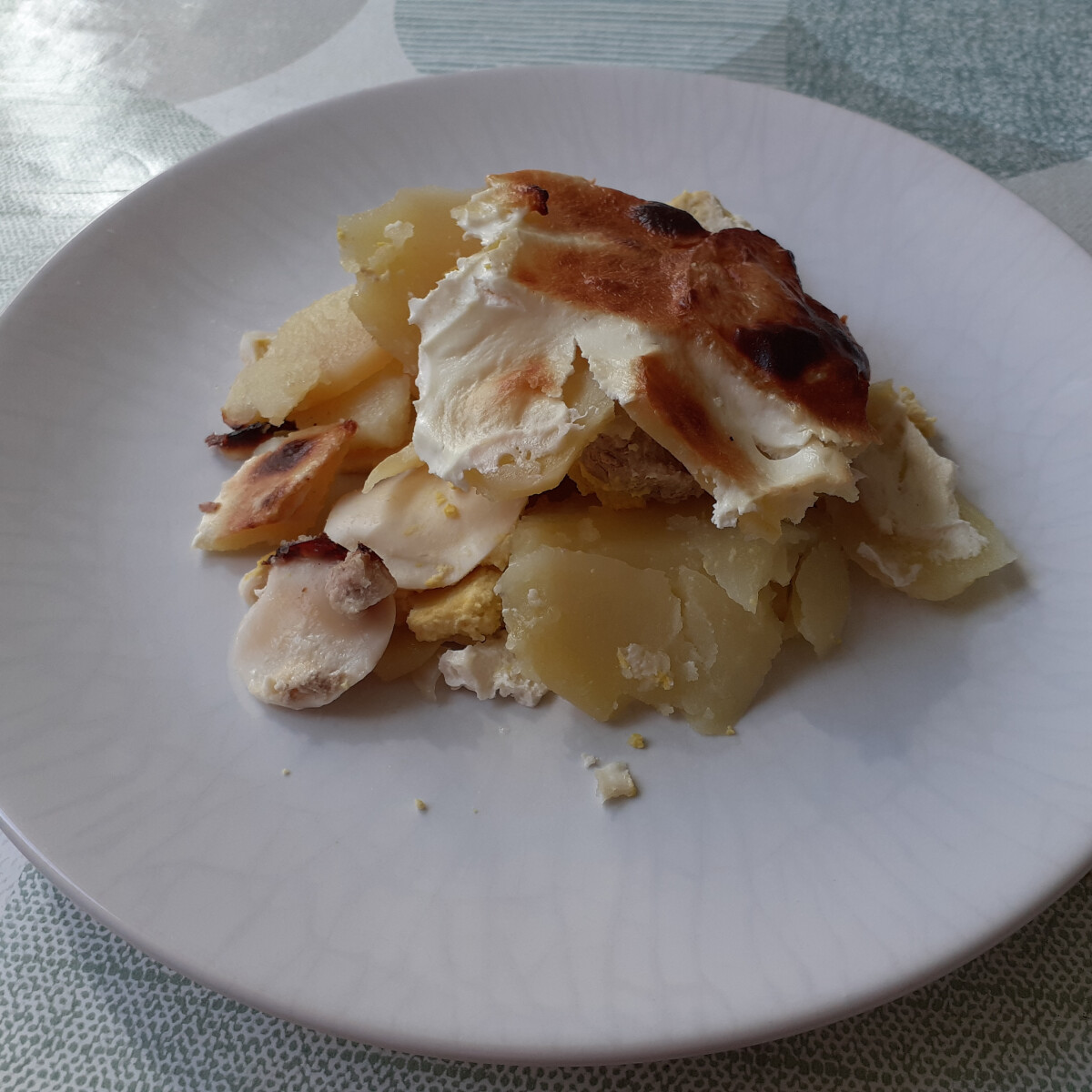 Ezen a képen: Húsos rakott krumpli