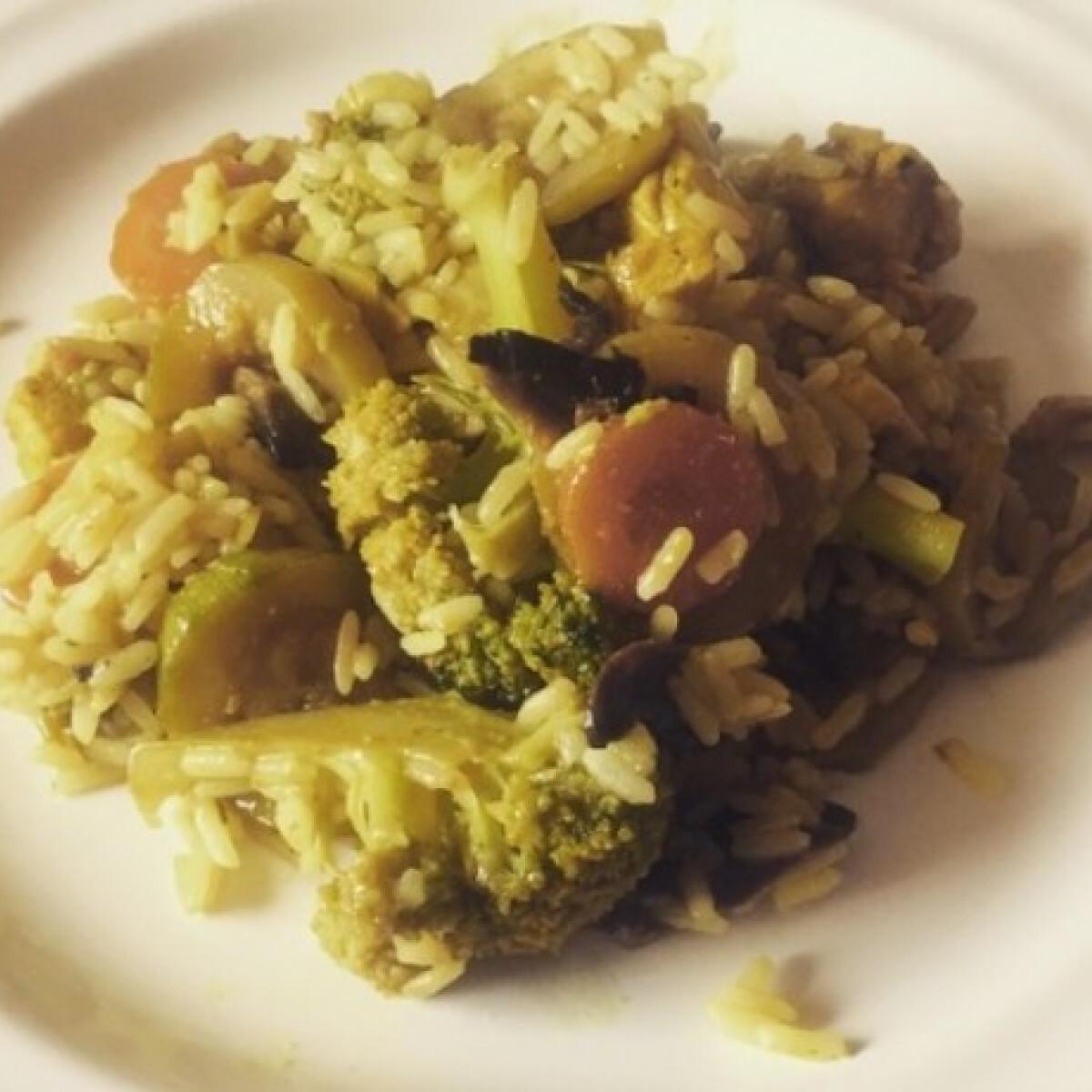 Zöldséges-csirkés rizses hús