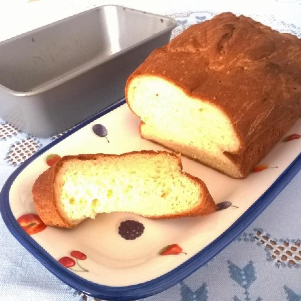Ezen a képen: Puha gluténmentes kenyér