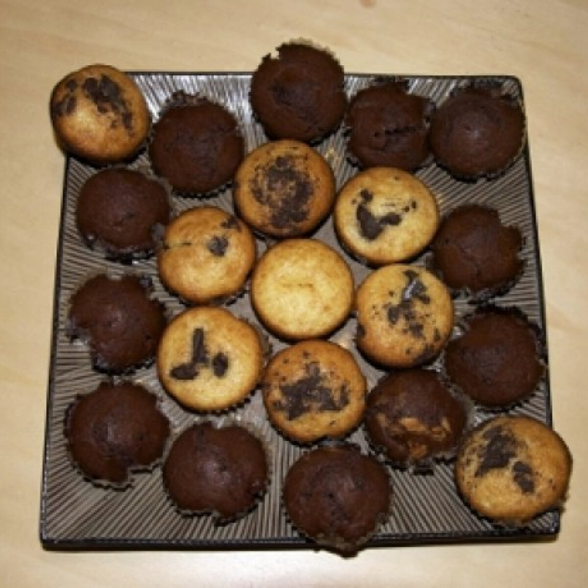 Ezen a képen: Csokidarabos muffin Myazs konyhájából