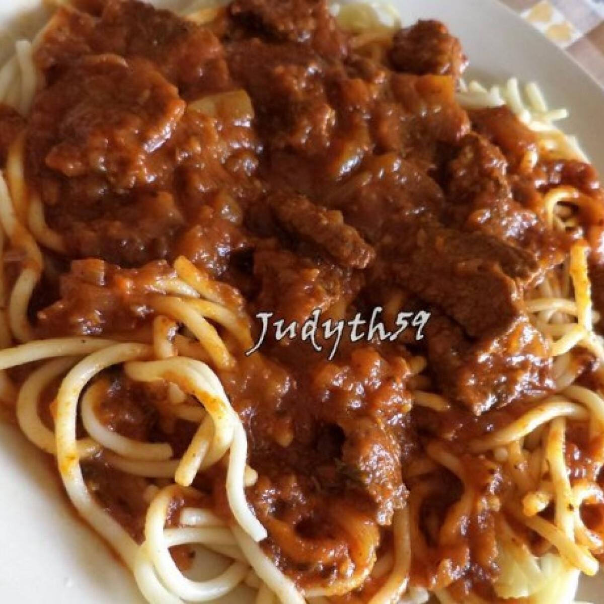 Ezen a képen: Olaszos marharagu JUDYTH konyhájából