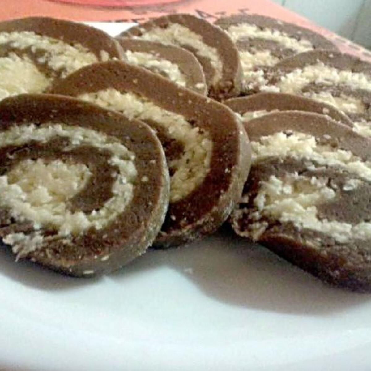 Ezen a képen: Kókuszos keksztekercs Vikóca konyhájából
