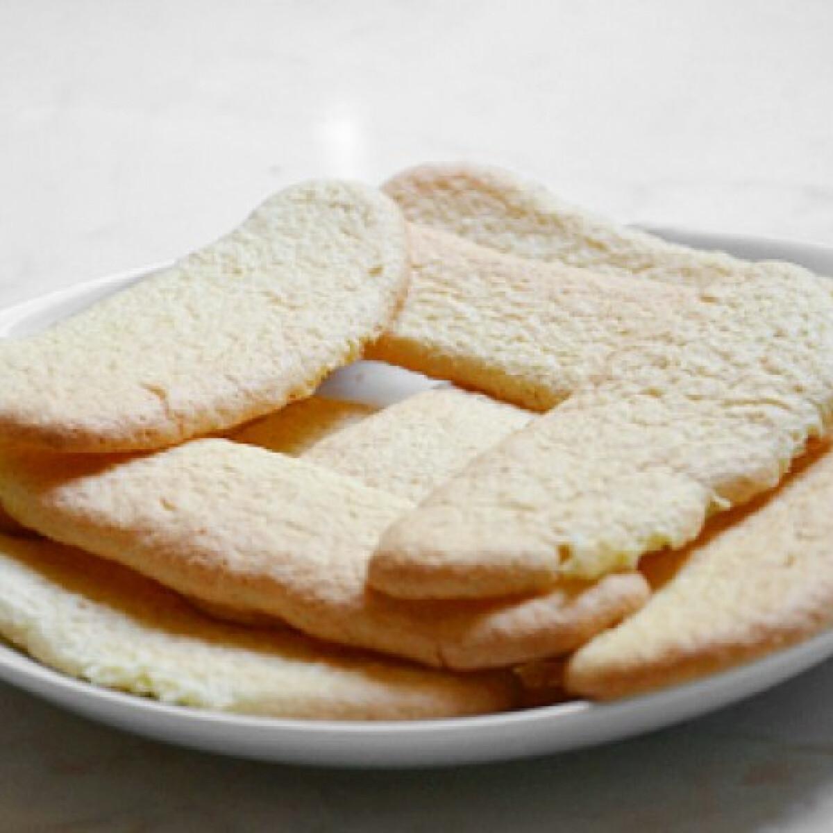 Ezen a képen: Gluténmentes babapiskóta