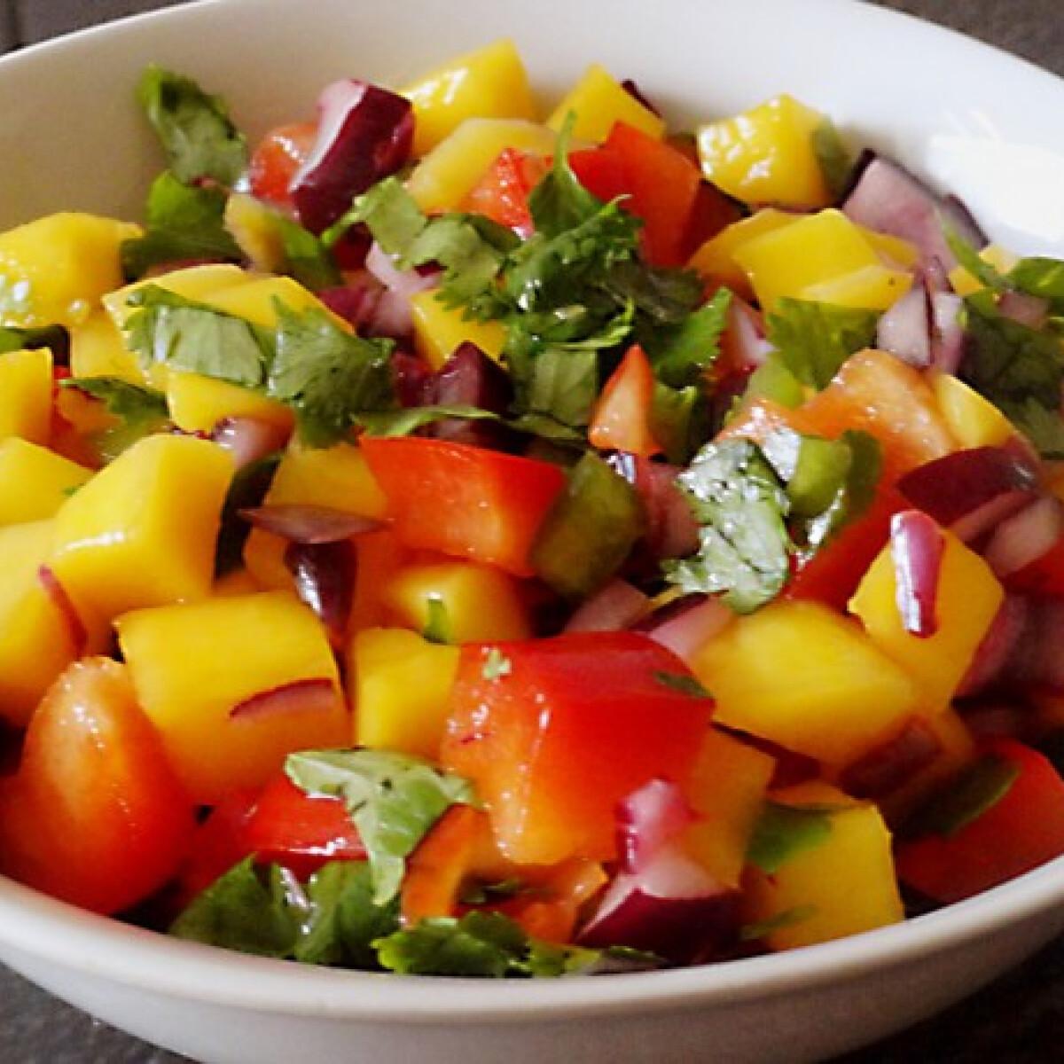 Ezen a képen: Mangó salsa Glaser konyhájából