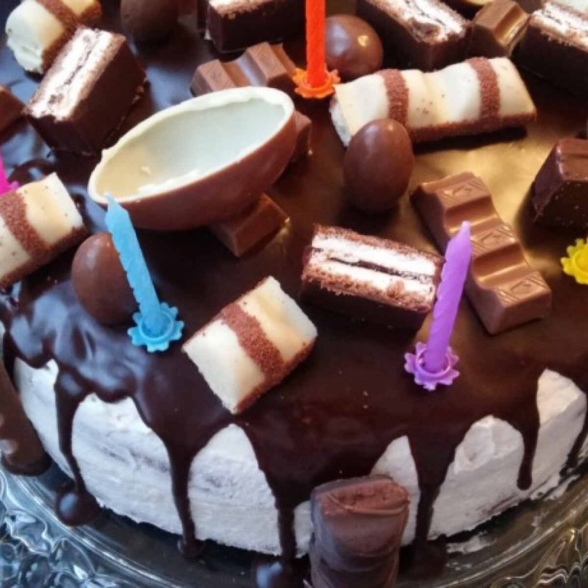 Kinder pingui torta szülinapra Olgitól