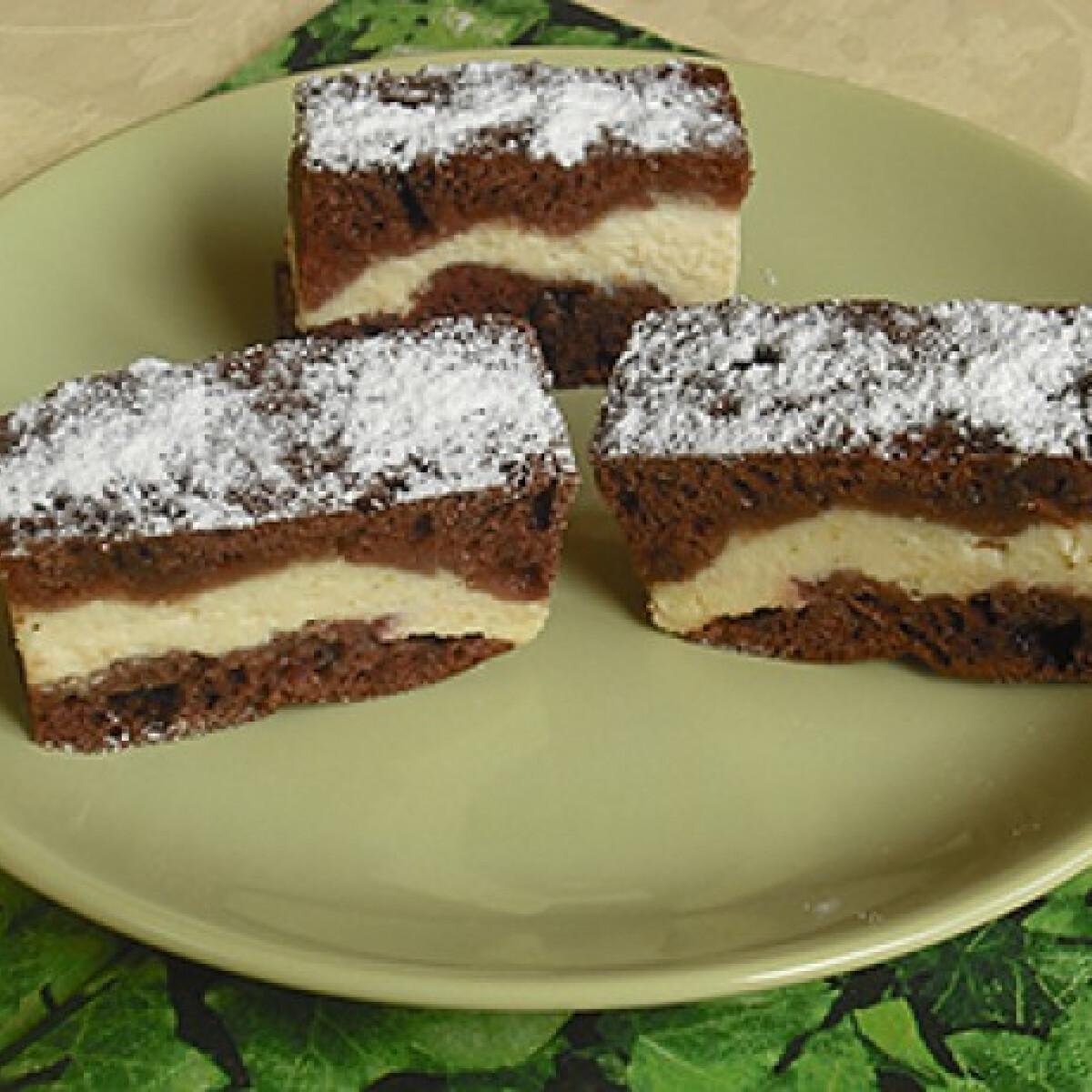 Csokis-túrós-meggyes szelet