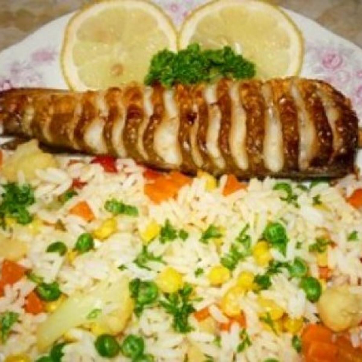 Ezen a képen: Sült hekk rizzsel