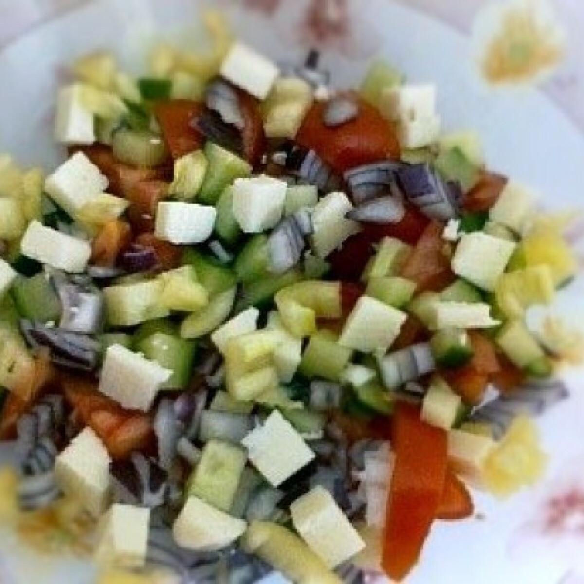 Ezen a képen: Sopszka saláta