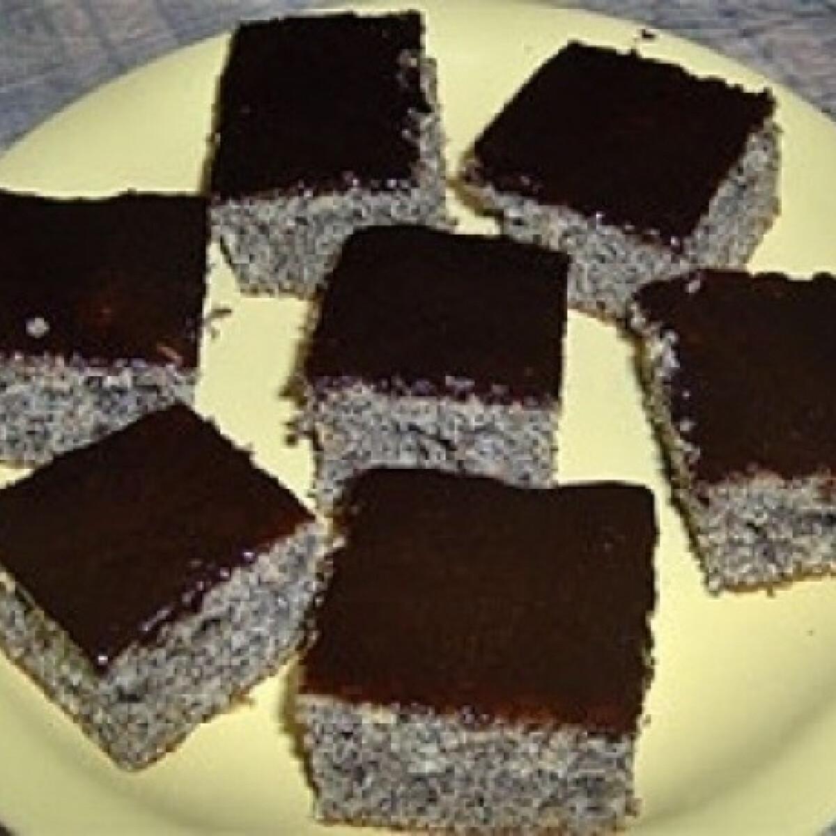 Bögrés mákos sütemény