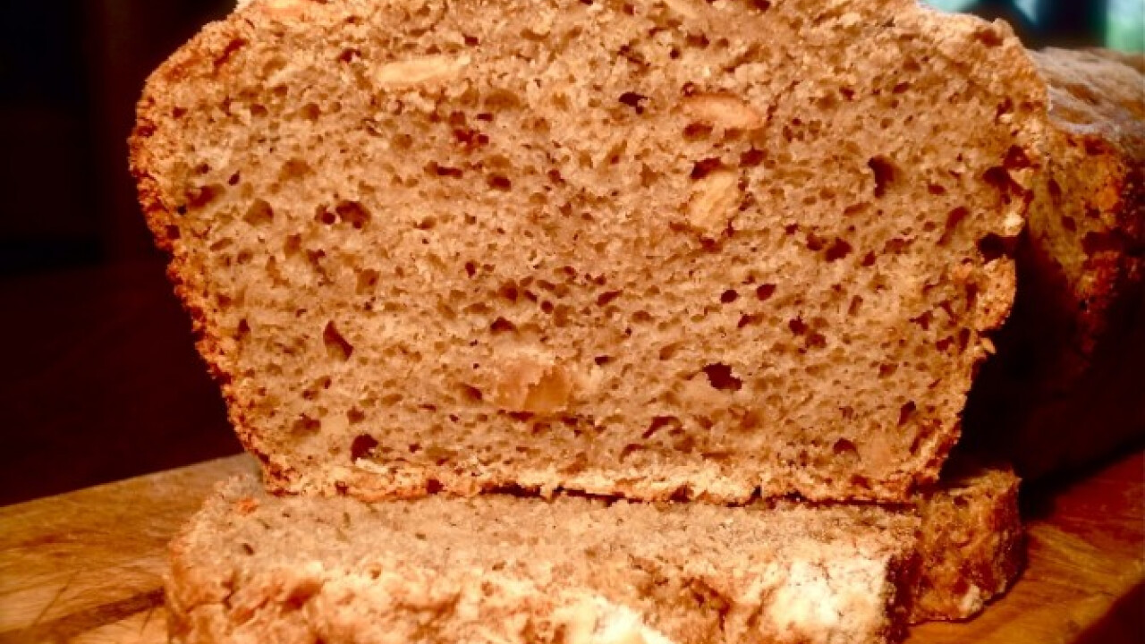 Vadkovászos rozsos-magos kenyér
