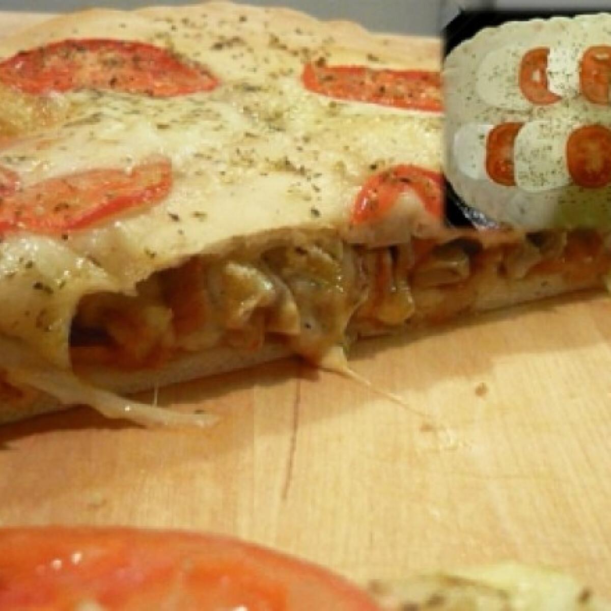 Ezen a képen: Töltött pizza A kis gasztronauta konyhájából