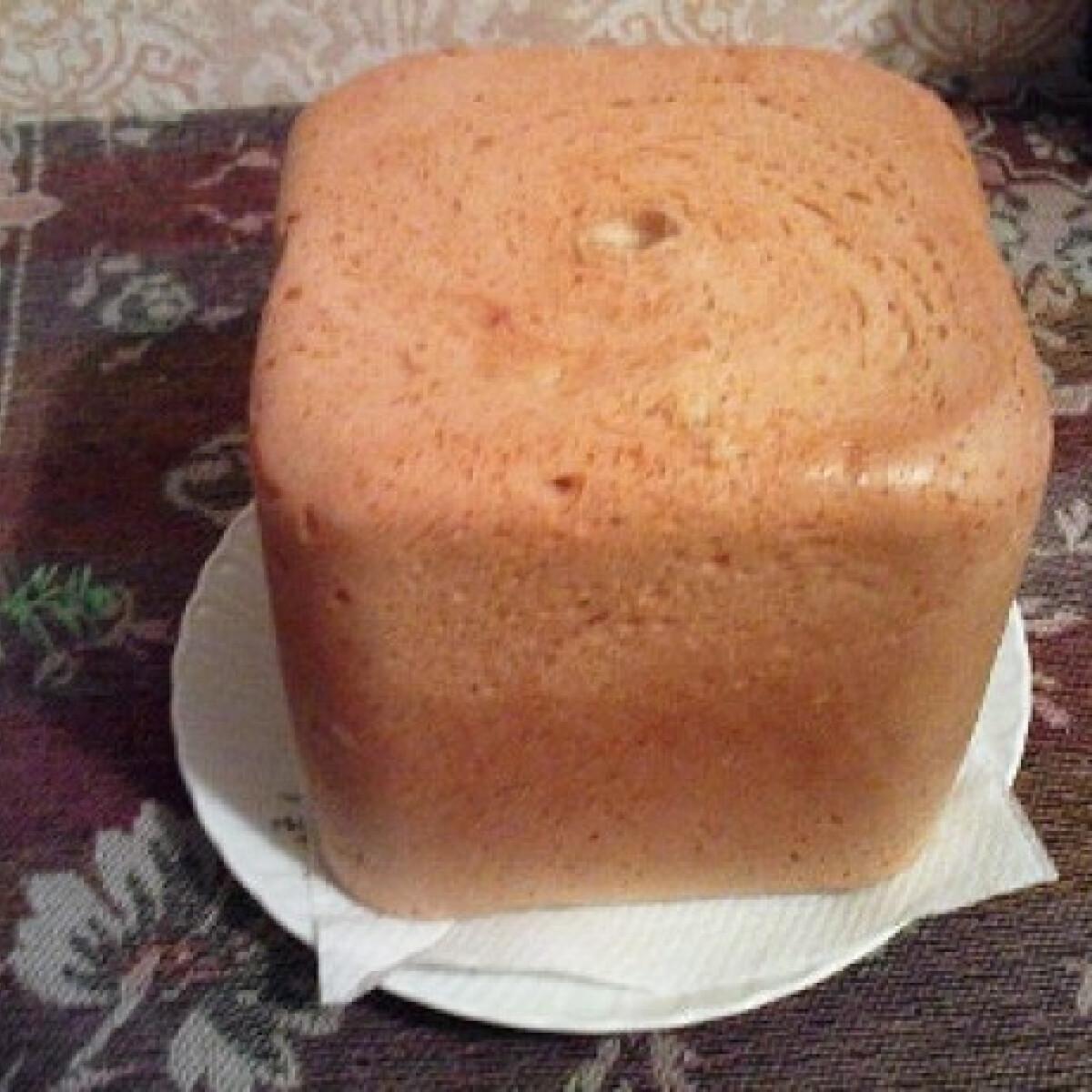 Ezen a képen: Kenyérsütőben sült kenyér hls konyhájából