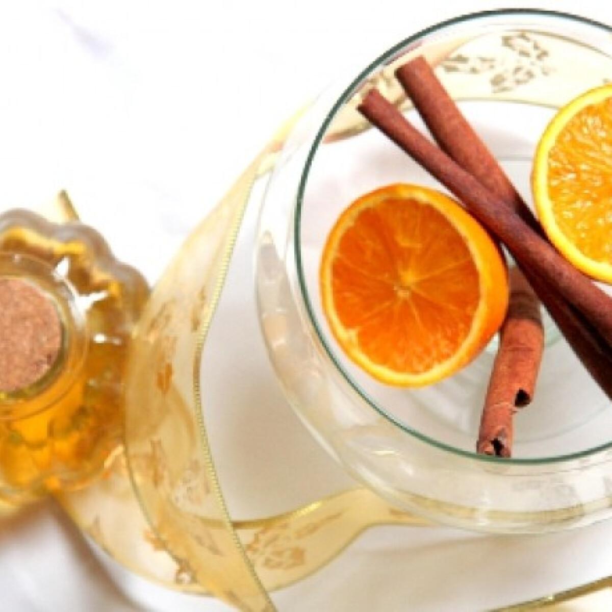 Ezen a képen: Házi narancslikőr Epercsóktól