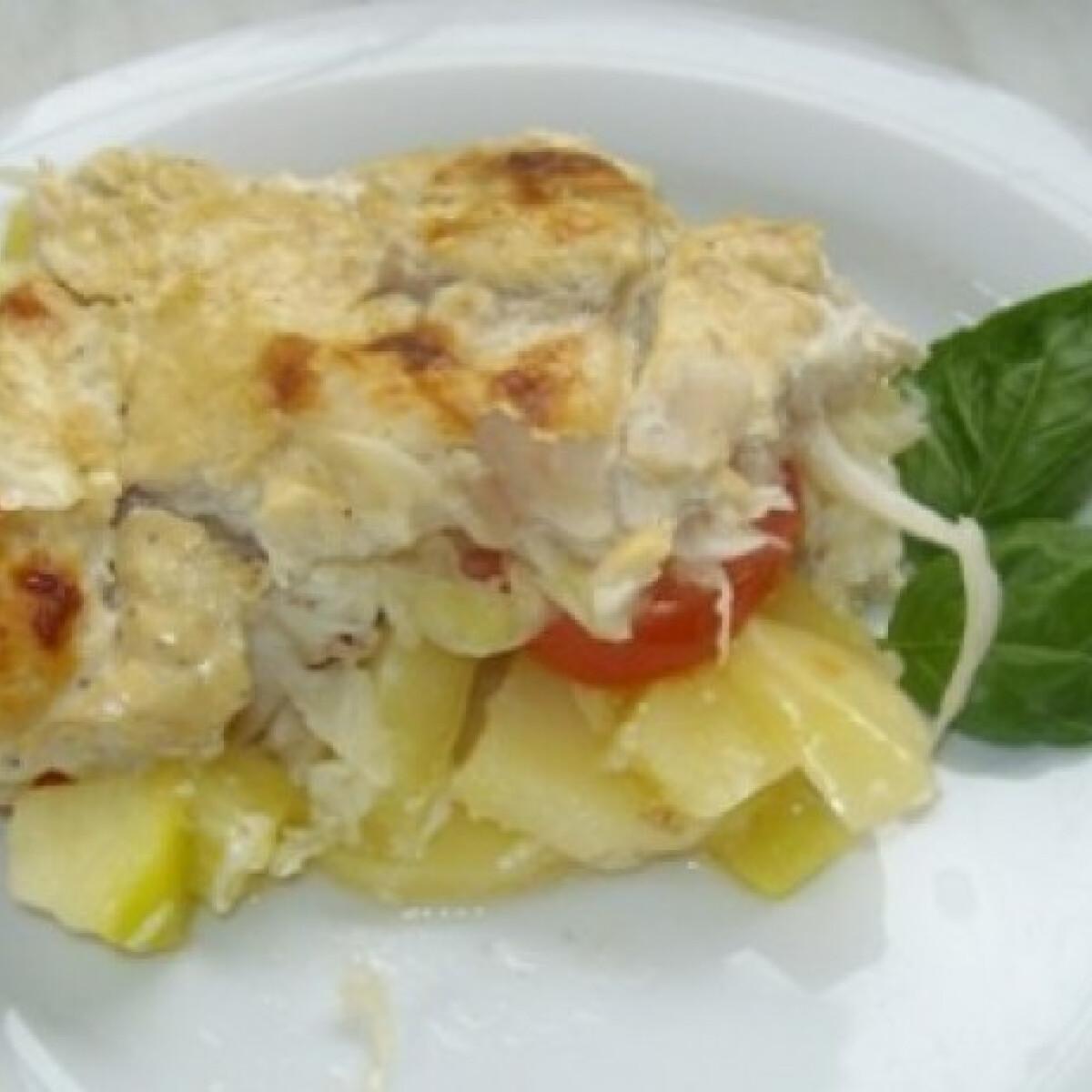 Halfilé krumplival és zöldséggel