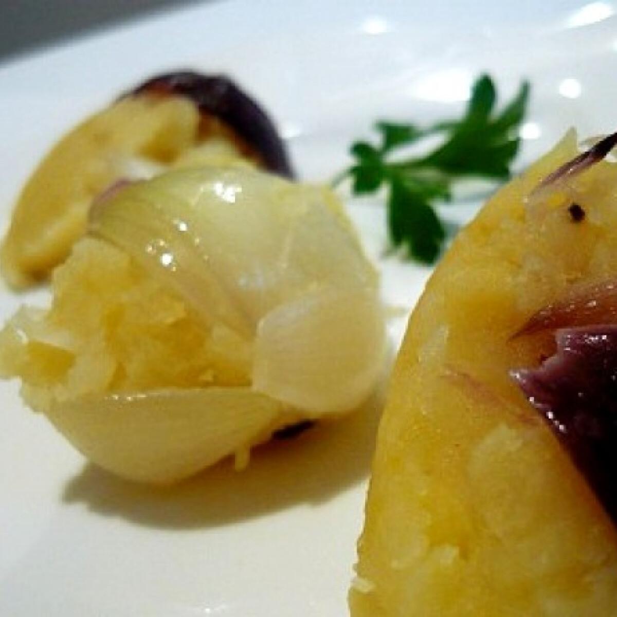 Ezen a képen: Hagymás tört krumpli gasztronautától