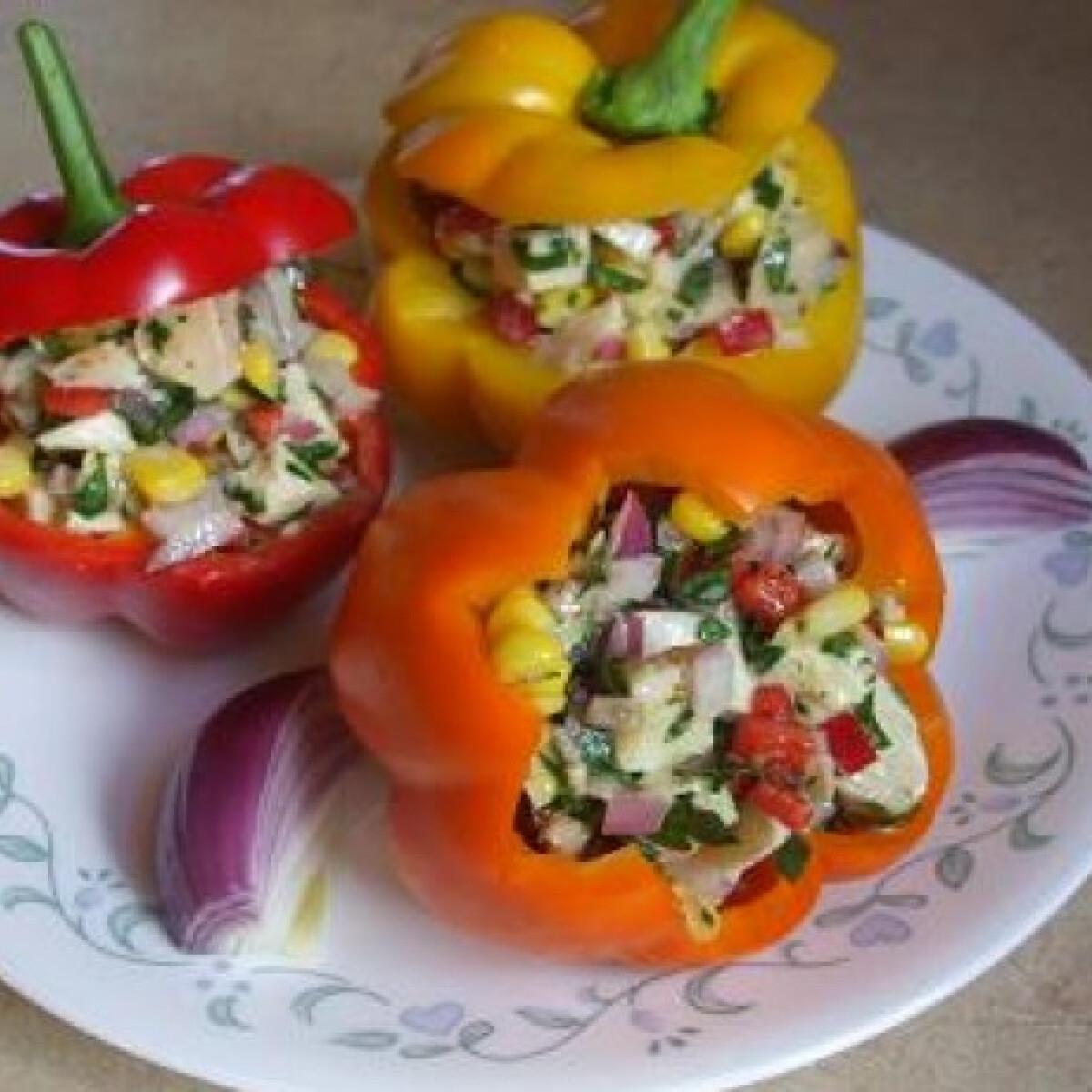 Ezen a képen: Sült csirke-saláta