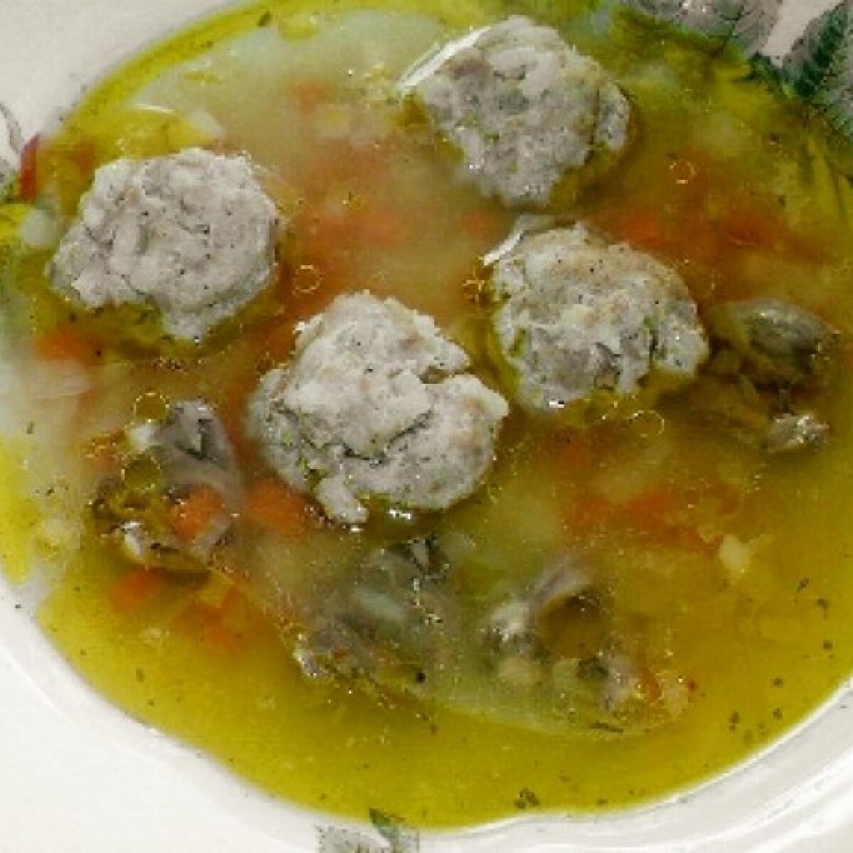 Húsgombóc-leves csirkeszívvel
