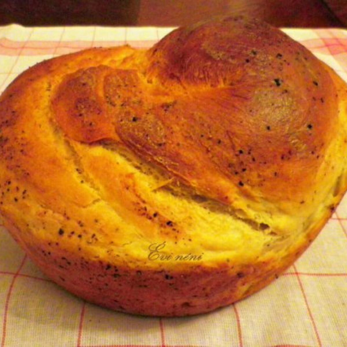 Ezen a képen: Borsos kenyér