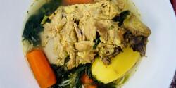 Finom húsleves sok zöldséggel