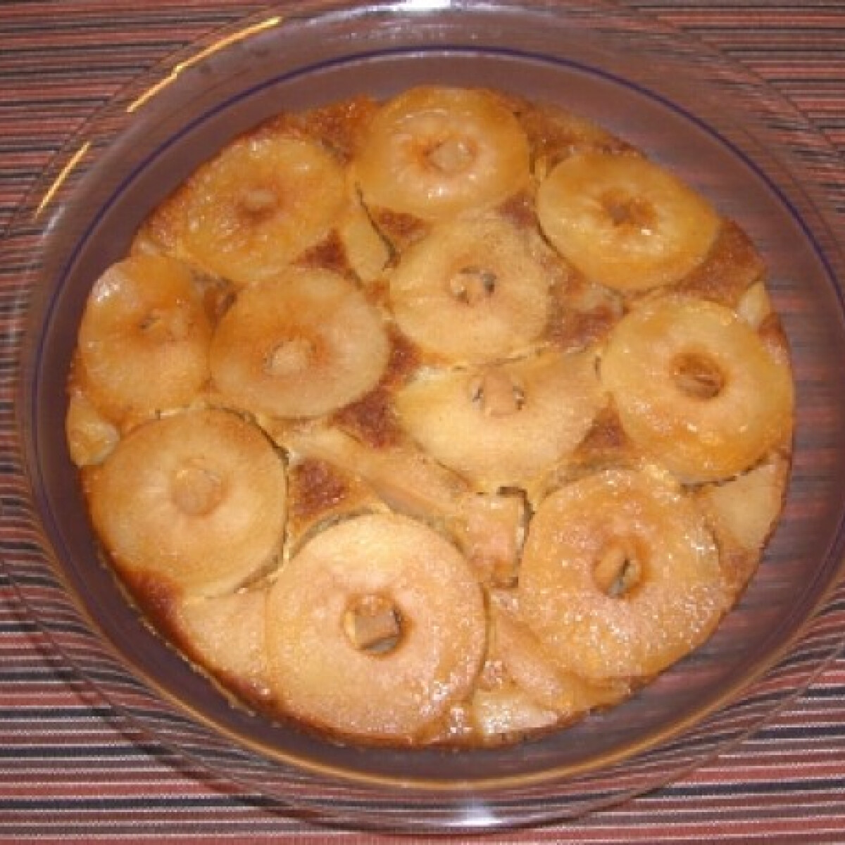 Ezen a képen: Zabpelyhes borított almás