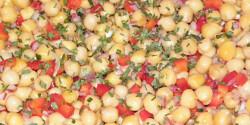 Csicseriborsó-saláta Károly konyhájából