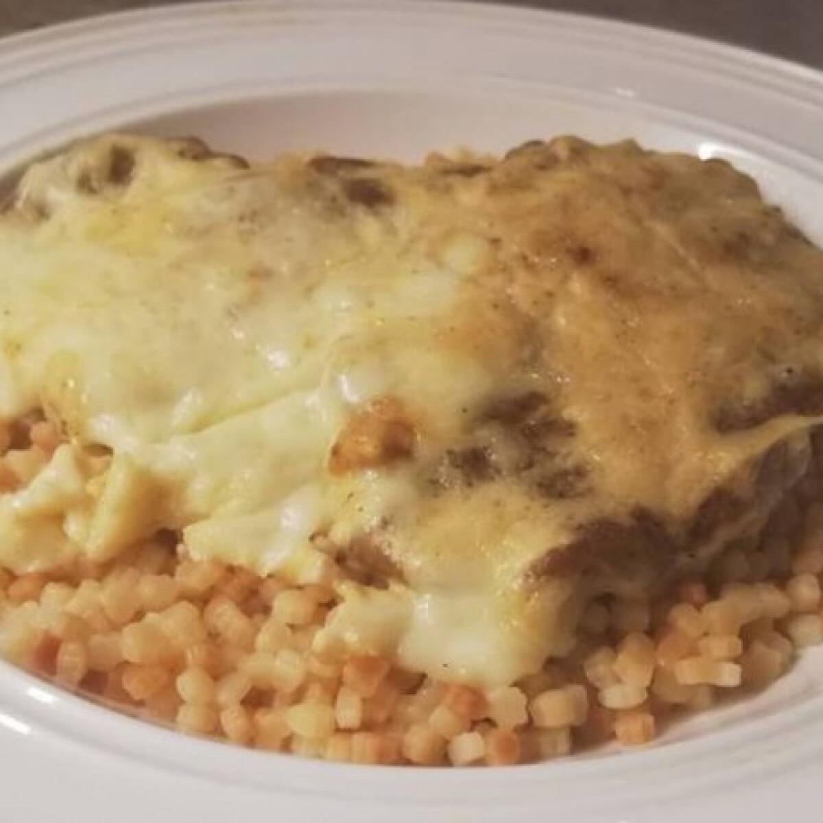 Ezen a képen: Tejszínes-mustáros sajtos sült tarja