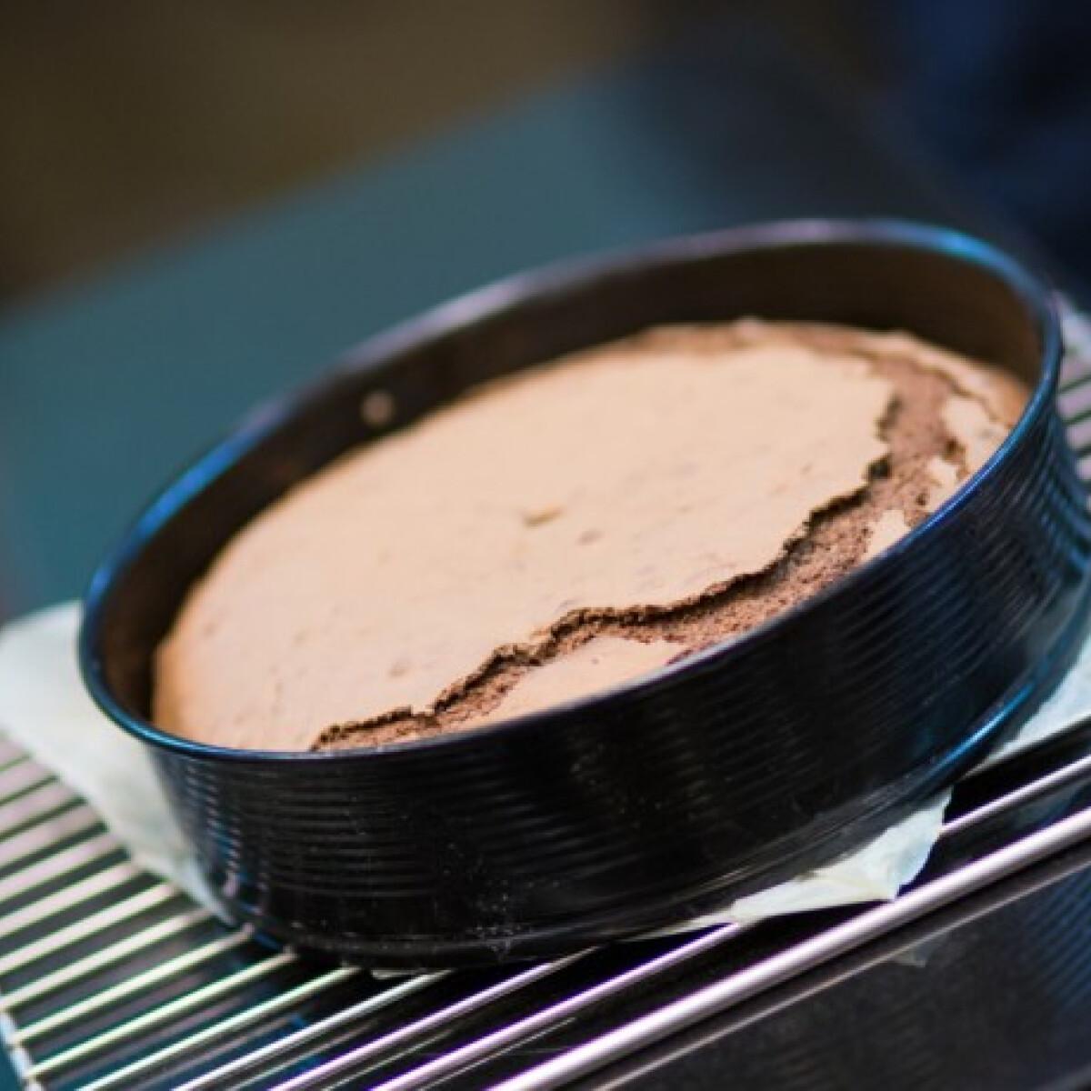 Ezen a képen: Lisztmentes csokoládétorta Bereznay Tamástól