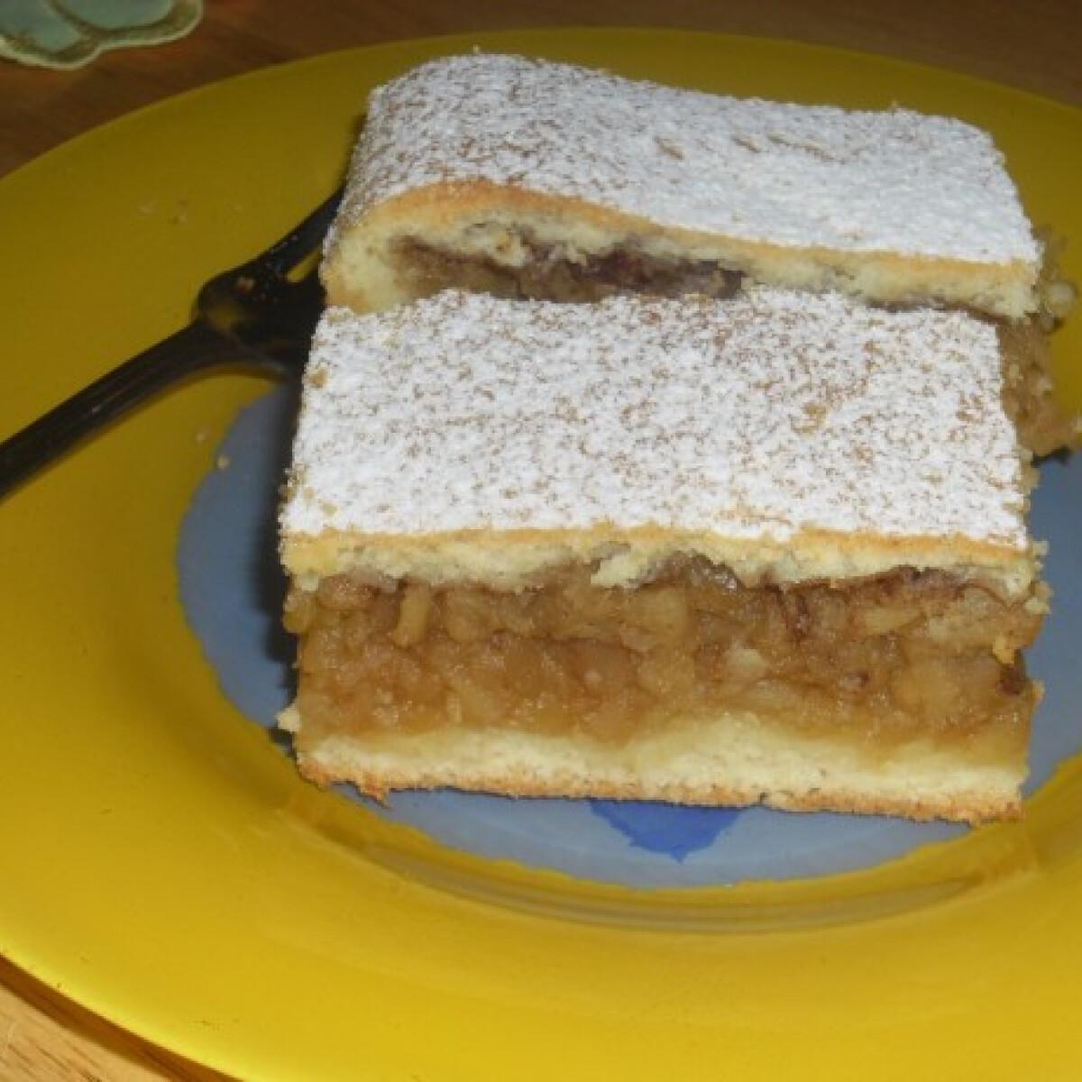 Ezen a képen: Extra almás pite