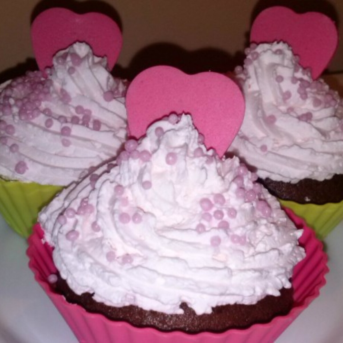 Ezen a képen: Valentin-napi cupcake