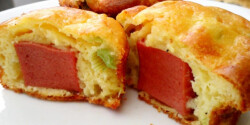 Hagymás-sajtos-virslis muffin