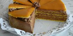 Dobos-torta ahogy Racsek Renáta készíti