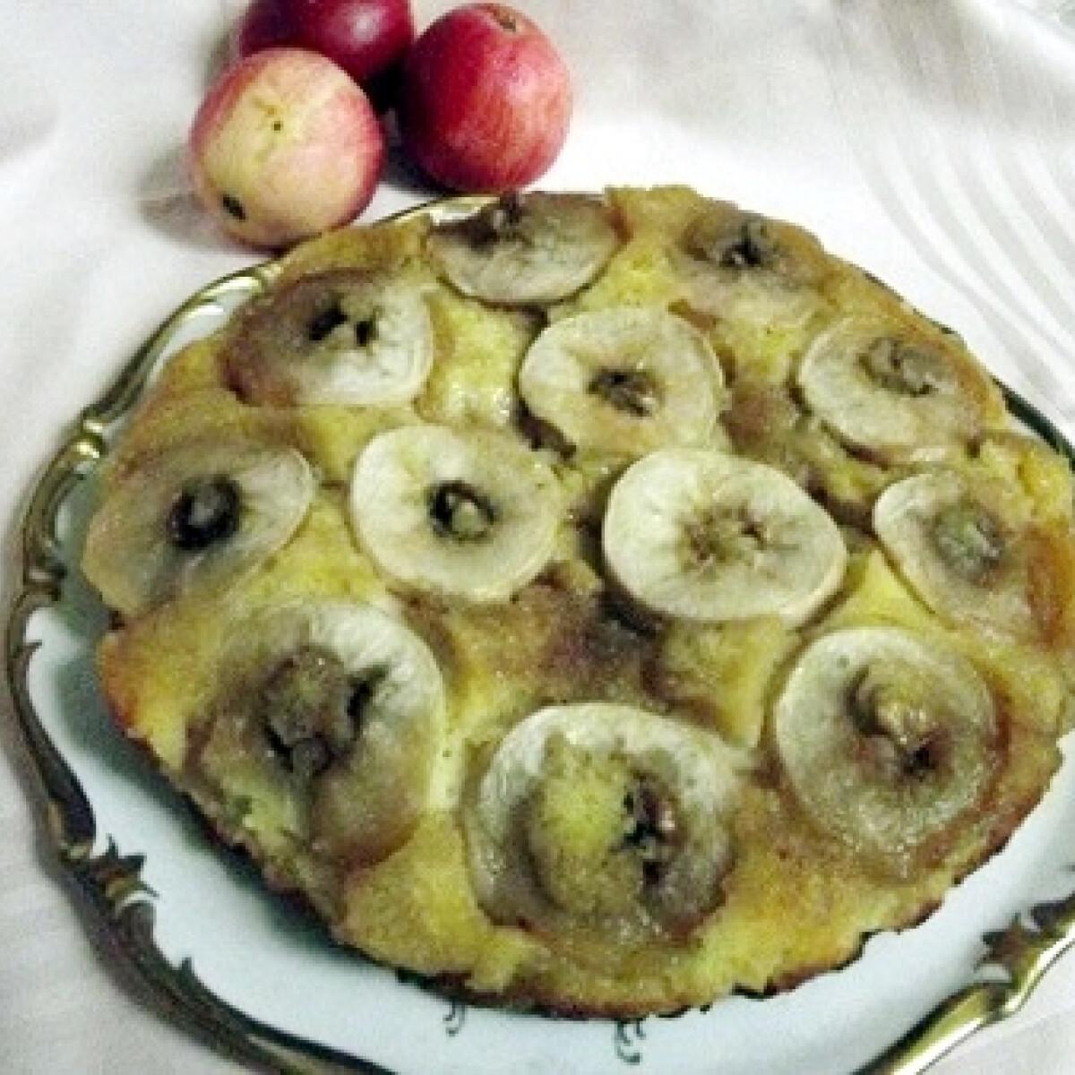 Ezen a képen: Fordított almás bellatorta konyhájából