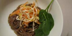 Csípős soba tészta roppanós zöldségekkel